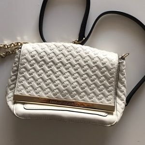 NWOT DVF while & gold small crossbody bag